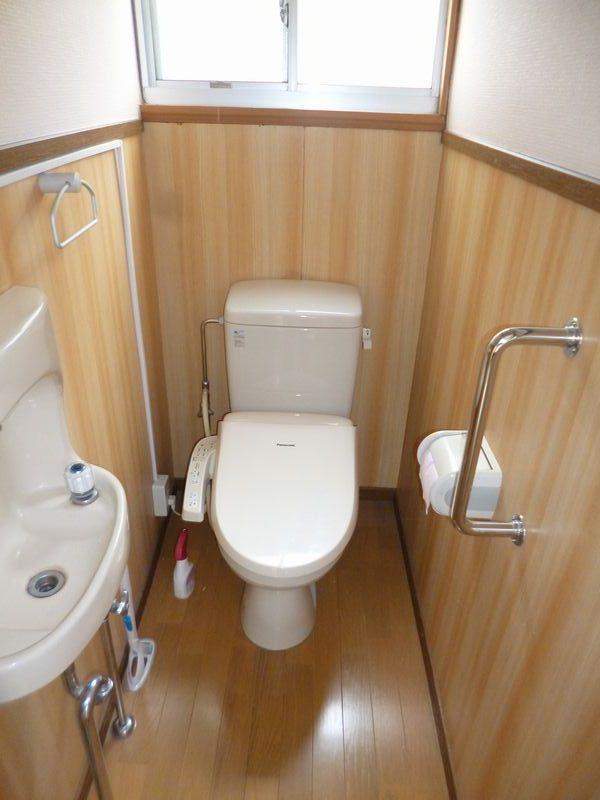 ウォシュレット付トイレ&手洗い