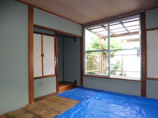 和室(畳交換済の為日焼け防止でシートをかけてあります。)